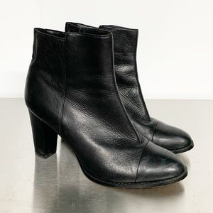 Clarks   Kacia Black Leather Ankle Zip-up Bootie